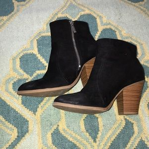 EUC ankle booties size 9
